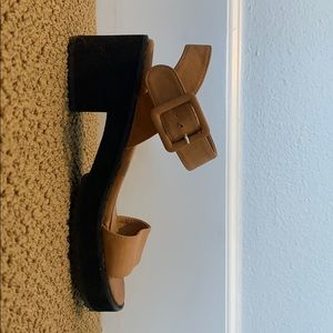 FLASH SALE Brown strappy shoes with mini heel!!